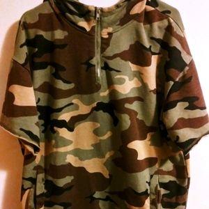 Short Sleeve Pull Over Half Zip Camo Hoodie XL